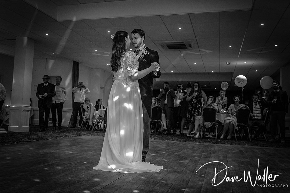 27-Cave-Castle-Wedding-Photography- -Hull-Wedding-Photographer-.jpg