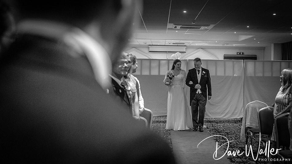 5-Cave-Castle-Wedding-Photography- -Hull-Wedding-Photographer-.jpg