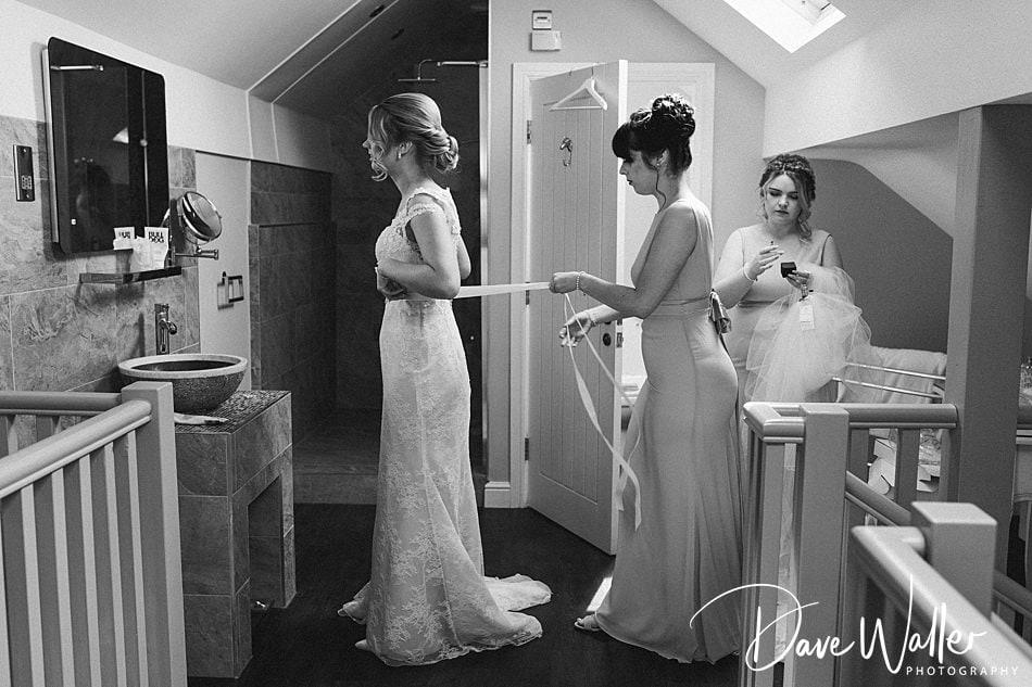 Rogerthorpe Manor Hotel | West Yorkshire Wedding Photographer | Beth & Ryan