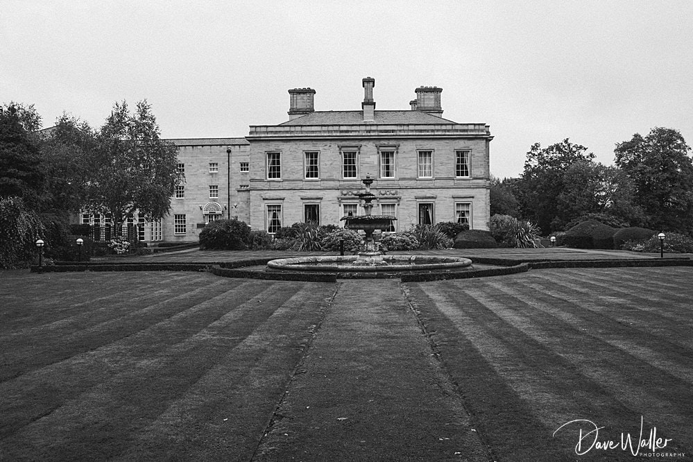 Oulton_Hall_Wedding_Photography_ _Leeds_Yorkshire_Wedding_Photographer_12.jpg