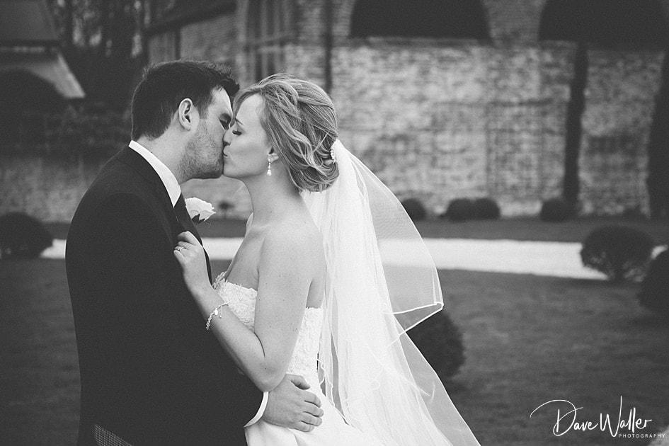 -Hazel-Gap-Barn-Wedding-Photography-|-Nottinghamshire-Wedding-Photographer-26.jpg