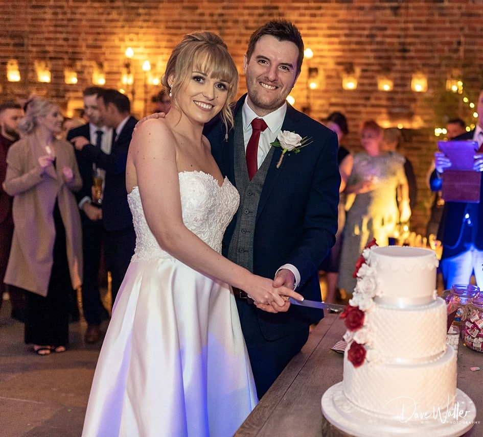 -Hazel-Gap-Barn-Wedding-Photography-|-Nottinghamshire-Wedding-Photographer-41.jpg