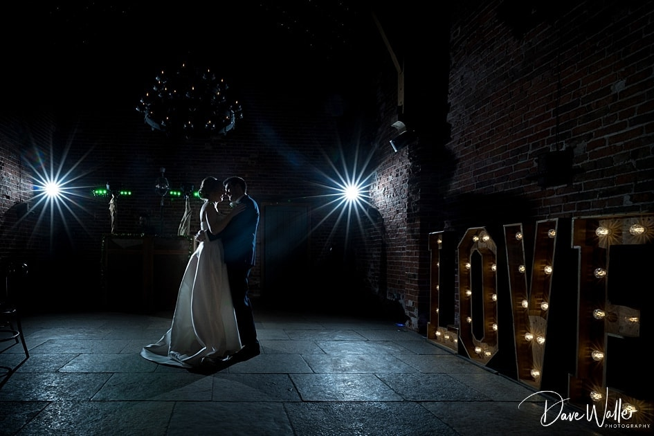 -Hazel-Gap-Barn-Wedding-Photography-|-Nottinghamshire-Wedding-Photographer-43.jpg