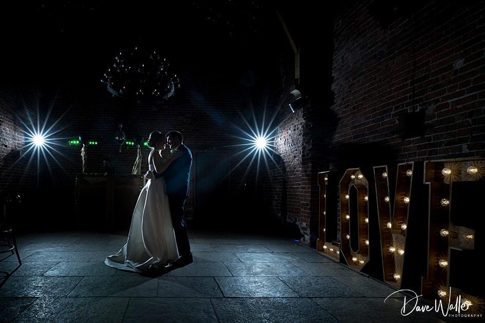 -Hazel-Gap-Barn-Wedding-Photography-|-Nottinghamshire-Wedding-Photographer-43.jpg