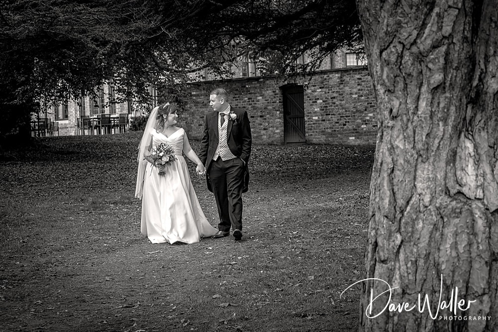 -york-wedding-photographer-|-Aldwark-Manor-Wedding-25.jpg