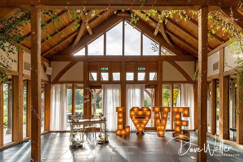 -The-Oak-Tree-Of-Peover-wedding-photographer-|--The-Oak-Tree-Of-Peover-wedding-photography-|-Manchester-wedding-photographer-2.jpg